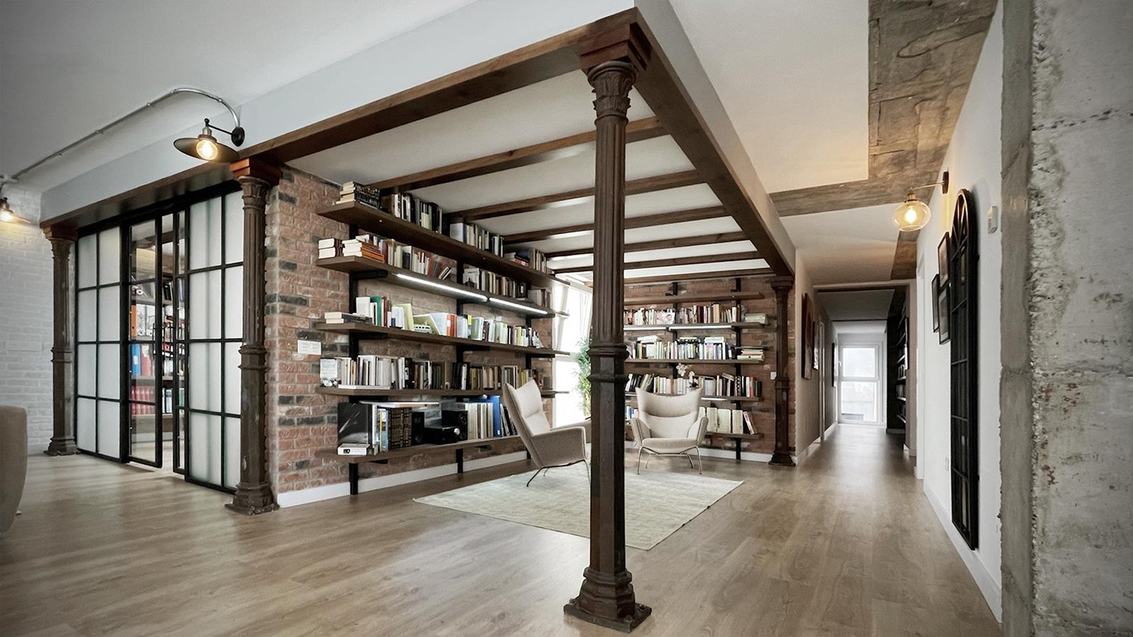Biblioteca y despacho